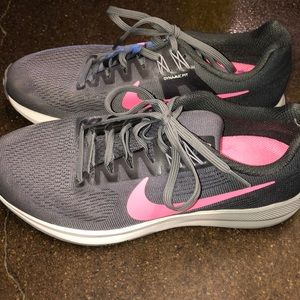 Nike Shoes - Nike Zoom Structure 21